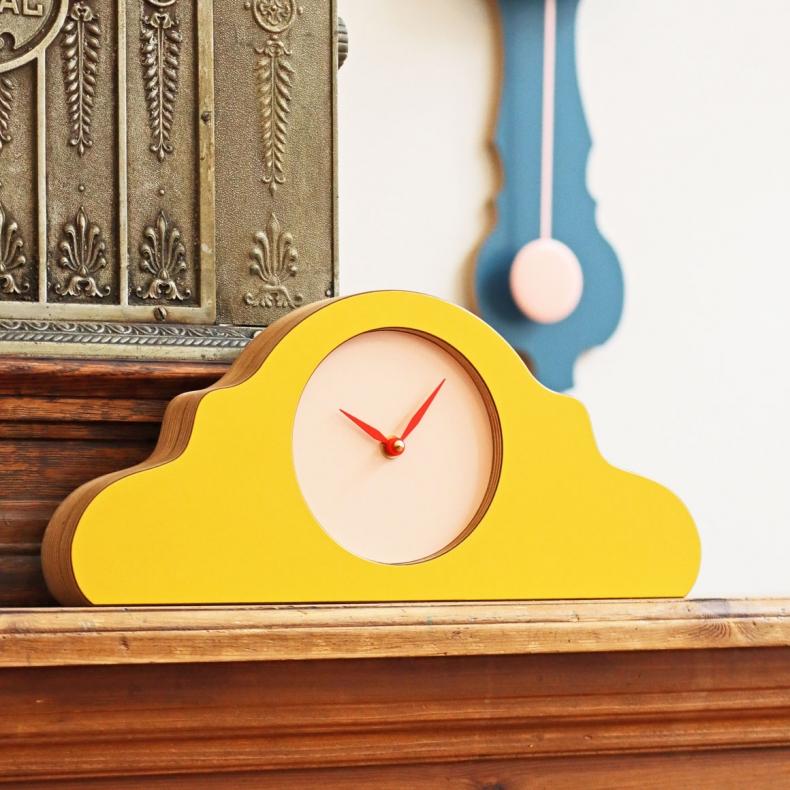 gele design klok geel